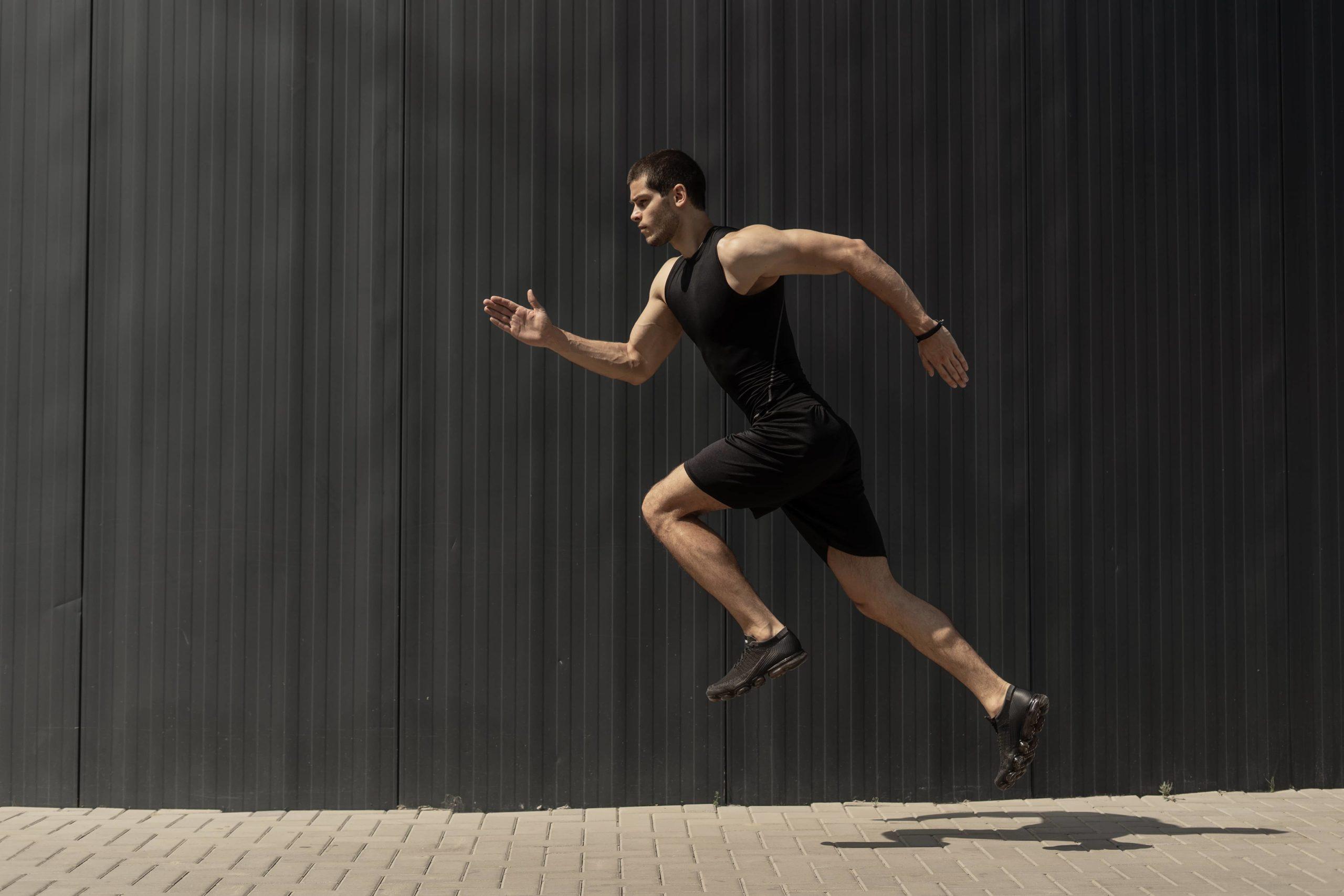 sportif faisant de la course à pied