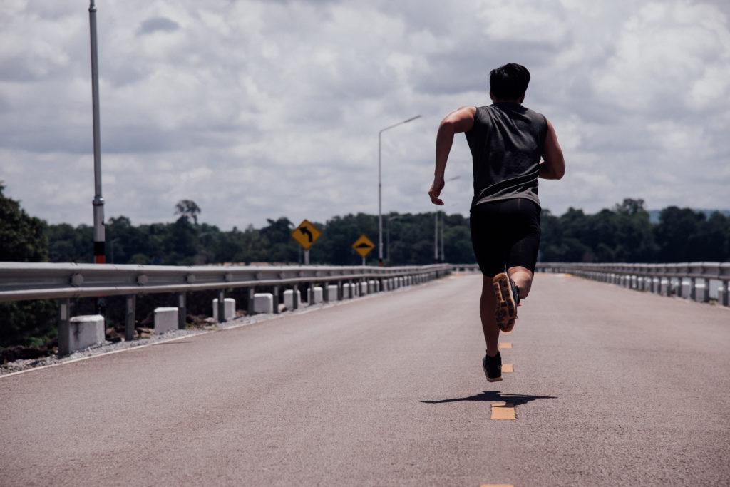 sportif-sport-course-a-pied-cardio-endurance